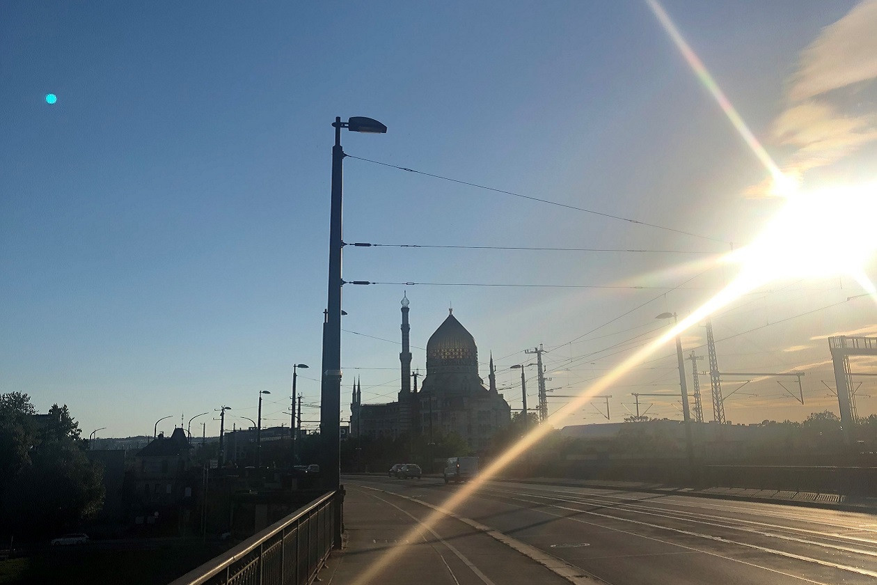 Von der Marienbrücke gibt es einen schönen Blick auf die Yenidze.