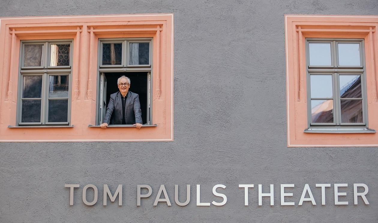 "Teil 3 am 22. März: <a href=""https://www.augusto-sachsen.de/articles/anruf-bei--tom-pauls-vom-tom-pauls-theater-in-pirna-16327"">Tom Pauls vom Tom Pauls Theater in Pirna</a>"