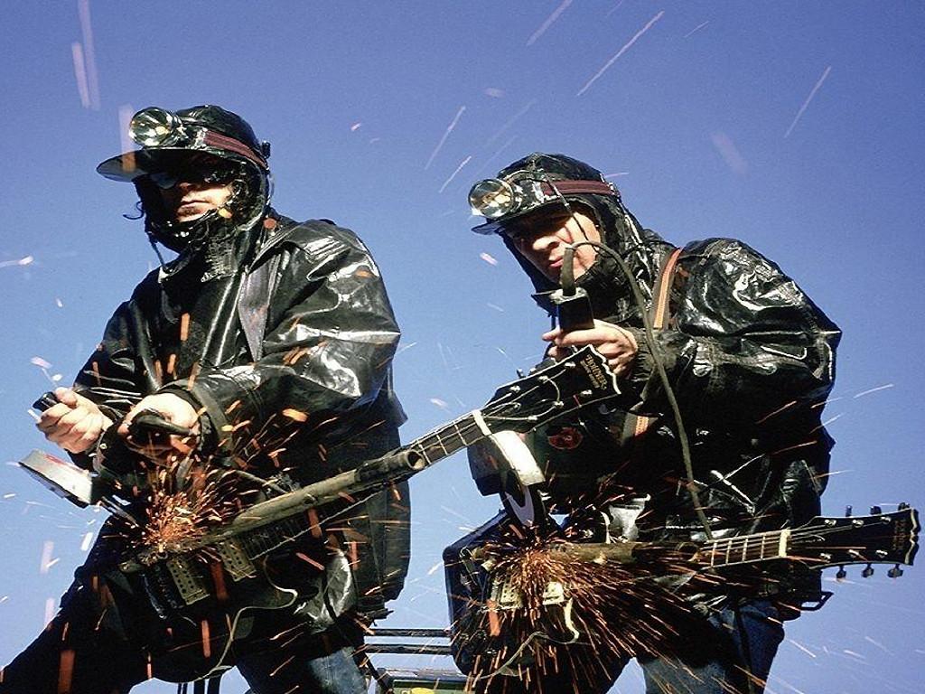 Die britische Band The KLF sprühte stets vor provokanten Ideen.