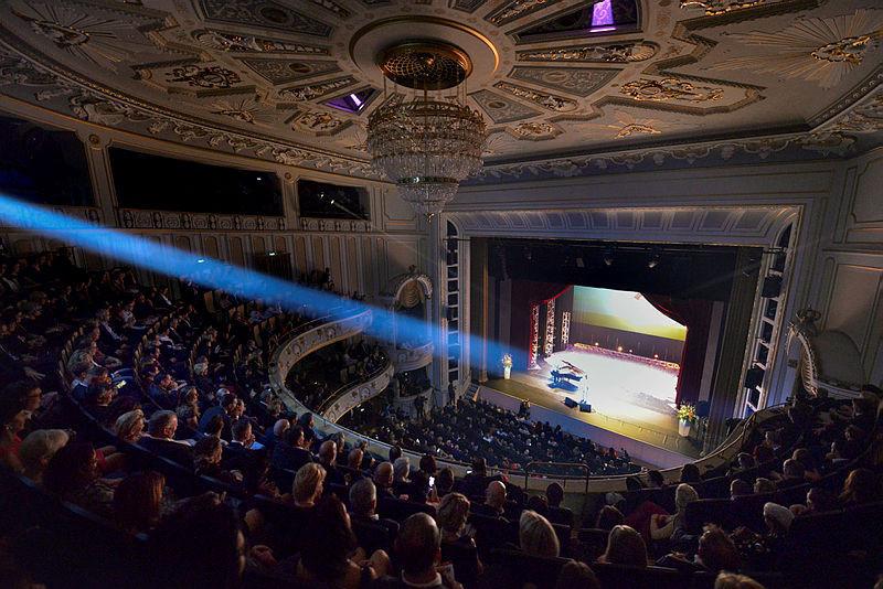 Freizeiterlebnis: Schauspielhaus Dresden