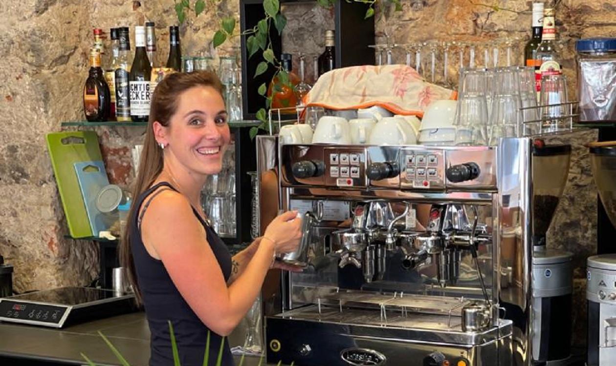 """Dritte Juliwoche: <a href=""""https://augusto-sachsen.de/articles/gastronomie/augusto-fragt-nach-in-der-eleven-kaffeebar-in-pirna-686139"""">Antje Fischer von der Eleven Kaffeeebar Pirna</a>"""