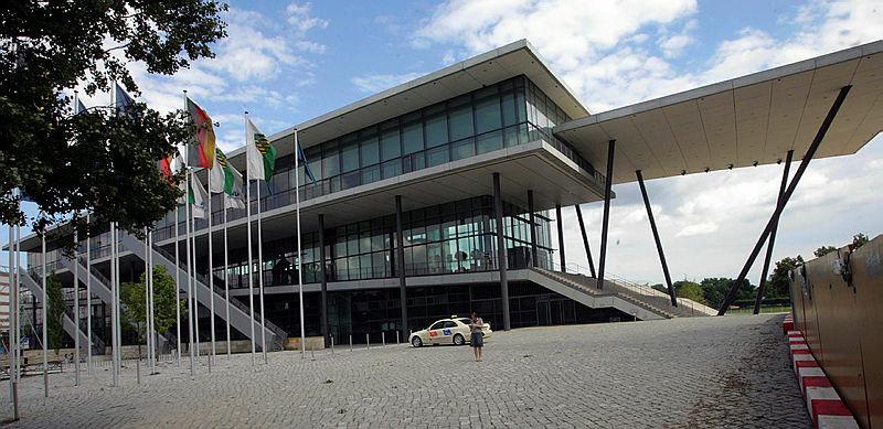 Das Kongresszentrum Dresden liegt gleich neben dem Landtag.