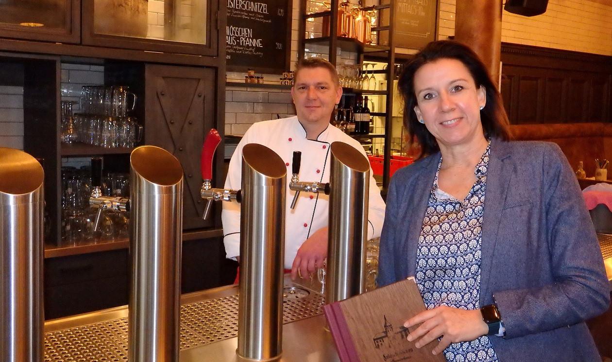 """Dritte Oktoberwoche: <a href=""""https://augusto-sachsen.de/gastronomie/articles/augusto-fragt-nach-im-feldschloesschen-stammhaus-in-dresden-10805150"""">Mandy Seidel vom Feldschlösschen-Stammhaus</a>"""