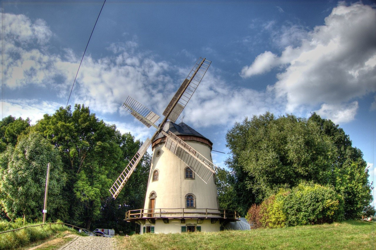 Ein Beispiel für die Turmholländer in der Region Dresden ist die Mühle in Gohlis.