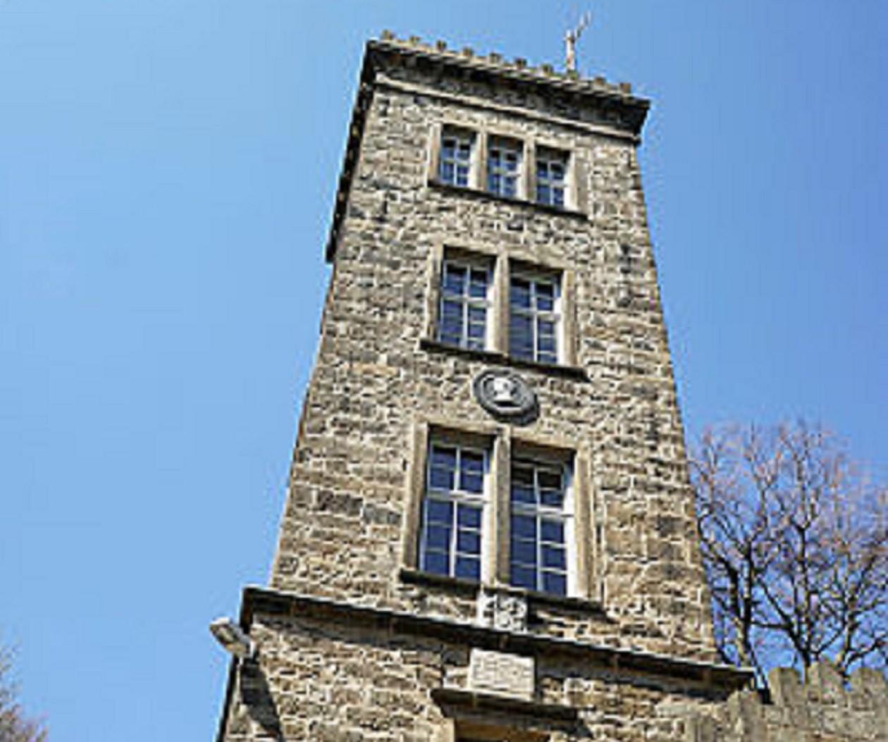 Vom Turm auf den Valtenberg reicht der Blick bis in die Sächsische Schweiz.