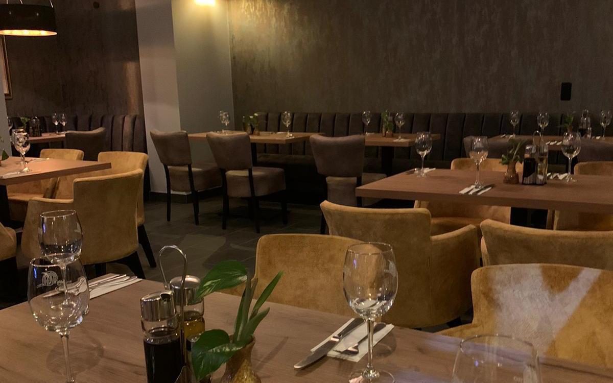 Auch am Abend bietet das umgebaute Restaurant eine gemütliche Atmosphäre.