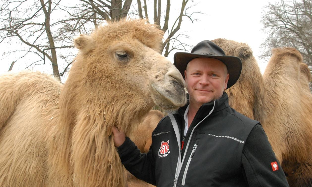 "Teil 30 am 20. April 2020: <a href=""https://www.augusto-sachsen.de/articles/anruf-beim-goerlitzer-tierpark-direktor-16650"">Der Görlitzer Tierpark-Direktor Dr. Sven Hammer</a>"