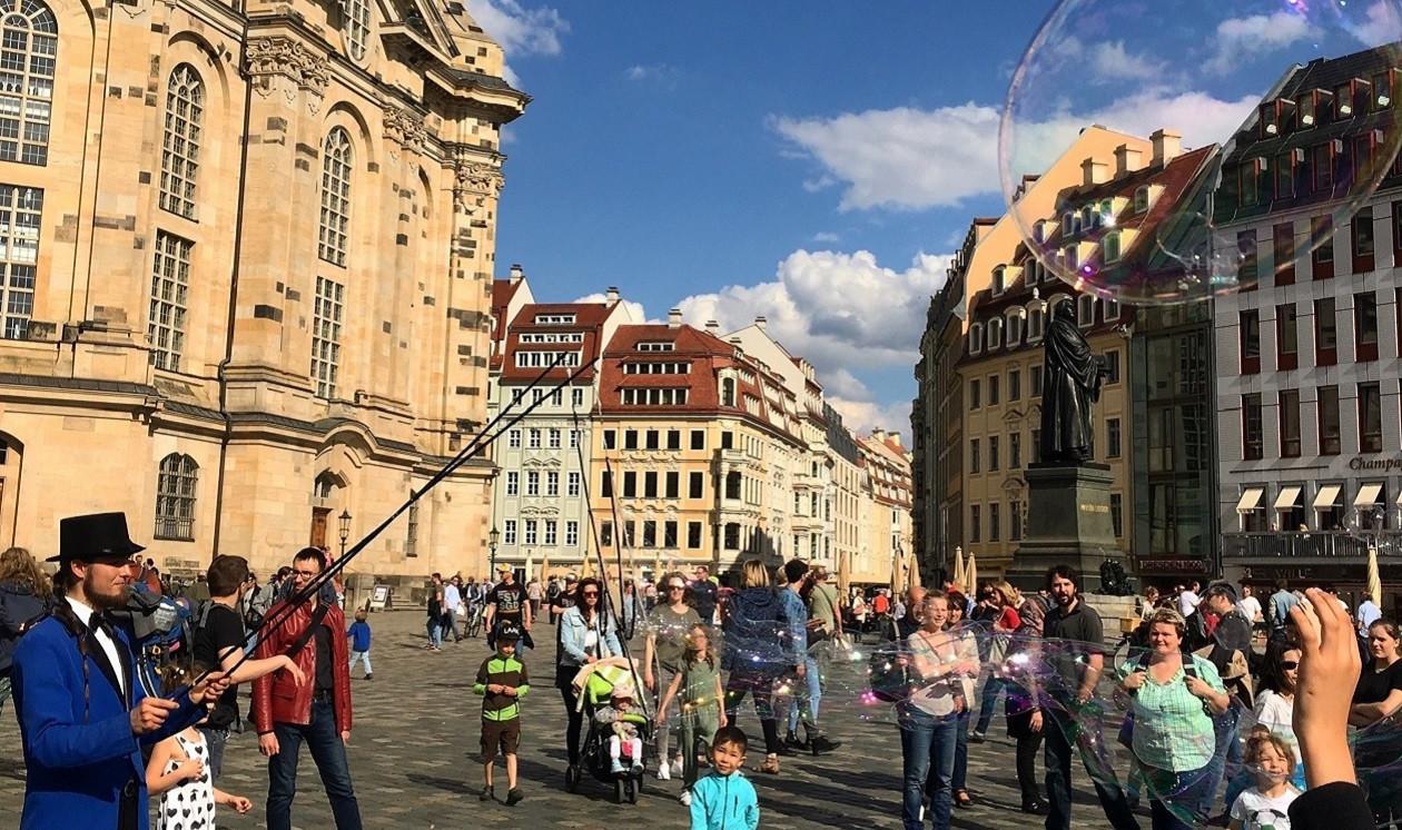 "Erster Spaziergang: <a href=""https://augusto-sachsen.de/articles/spaziergang-der-woche-auf-augusts-spuren-155"">Auf Augusts Spuren</a>"