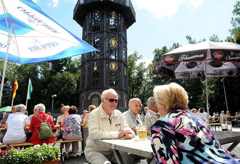 Der einzige aus Eisen genietete Turm Europas steht auf dem Löbauer Berg.