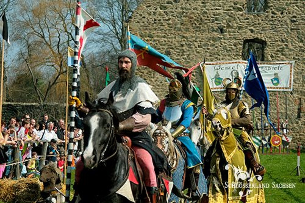 Das Mittelalter ist in Altzella zu Gast.