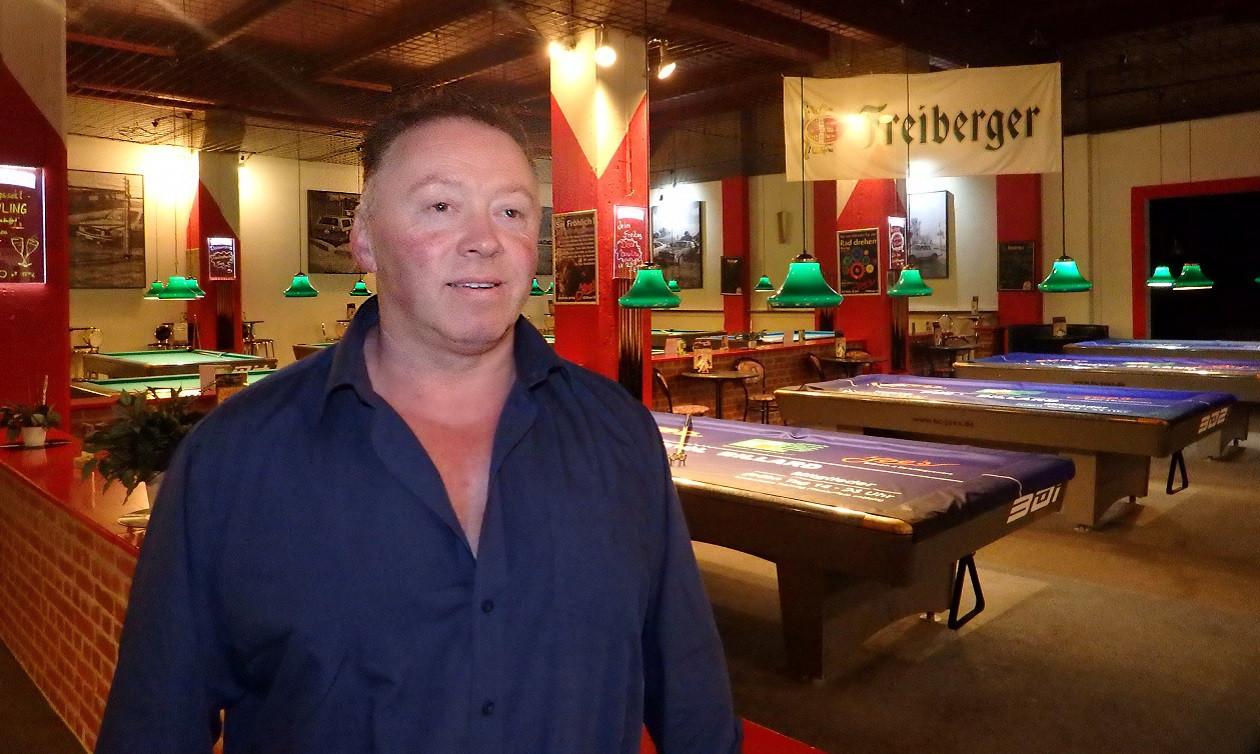 """Zweite Augustwoche: <a href=""""https://augusto-sachsen.de/articles/gastronomie/augusto-fragt-nach-in-joes-billard-bowlingcenter-no1-in-dresden-829596"""">Tino Linke von Joe's Billard- & Bowlingcenter No.1</a>"""