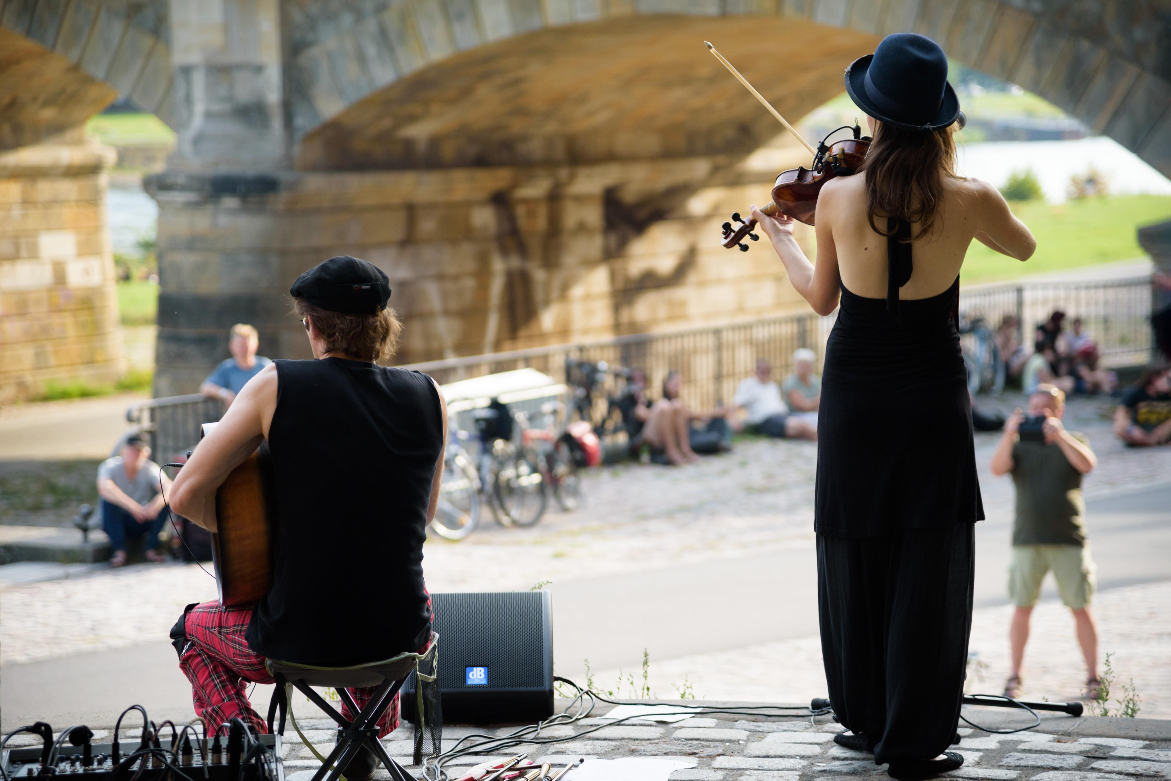 Zahlreiche Bands konnten sich im Pavillon an der Dresdner Albertbrücke ihrem Publikum präsentieren.