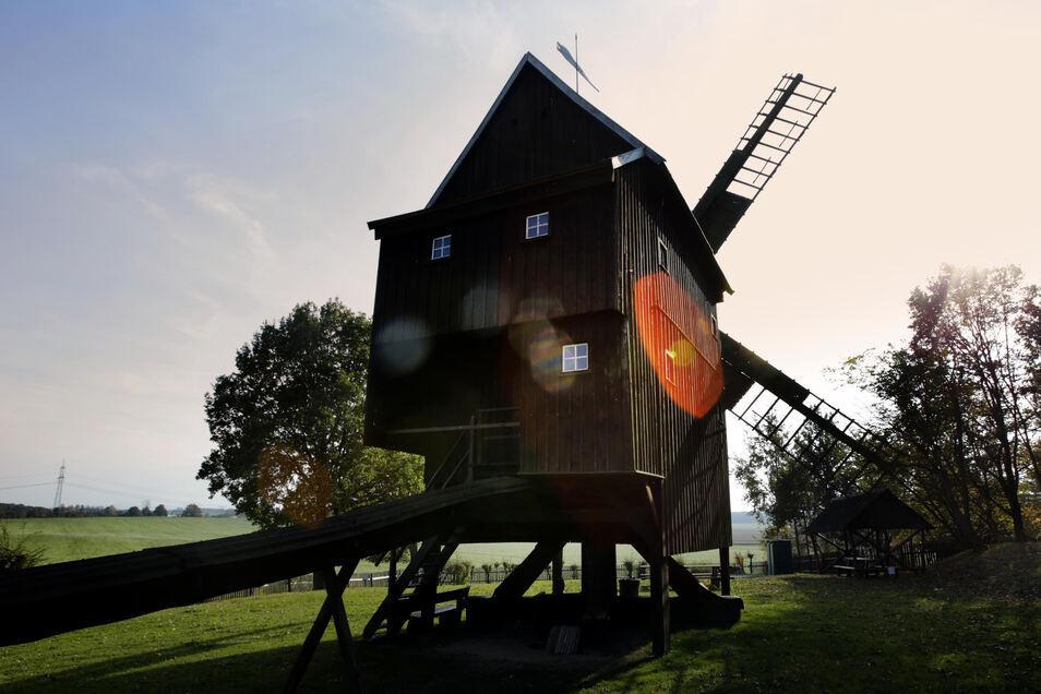 Die älteste Bockwindmühle der Oberlausitz bei Neschwitz ist seit fast 70 Jahren ein Museum.