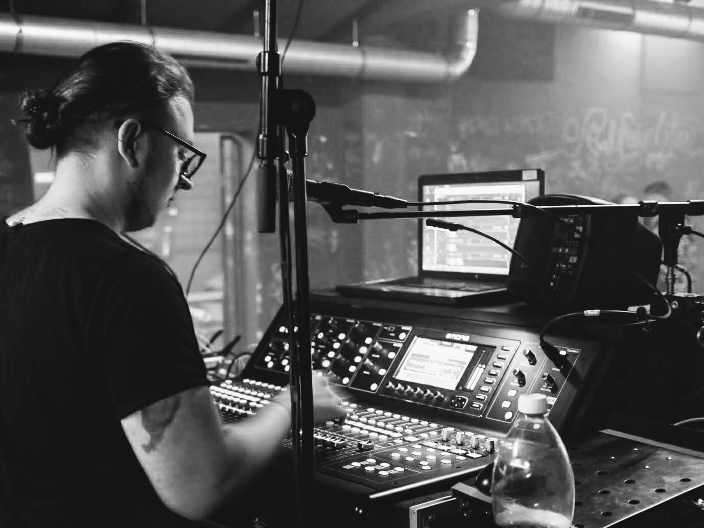 Als Tontechniker hatte sich Moritz Baumert bereits einen Namen in der Branche gemacht.