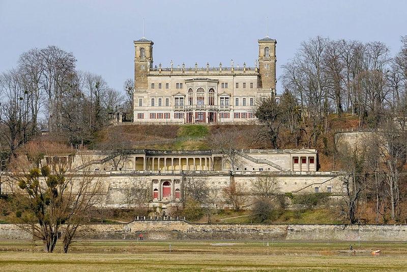 Schloss Albrechtsberg hat auf der Rückseite auch einen schönen Park.