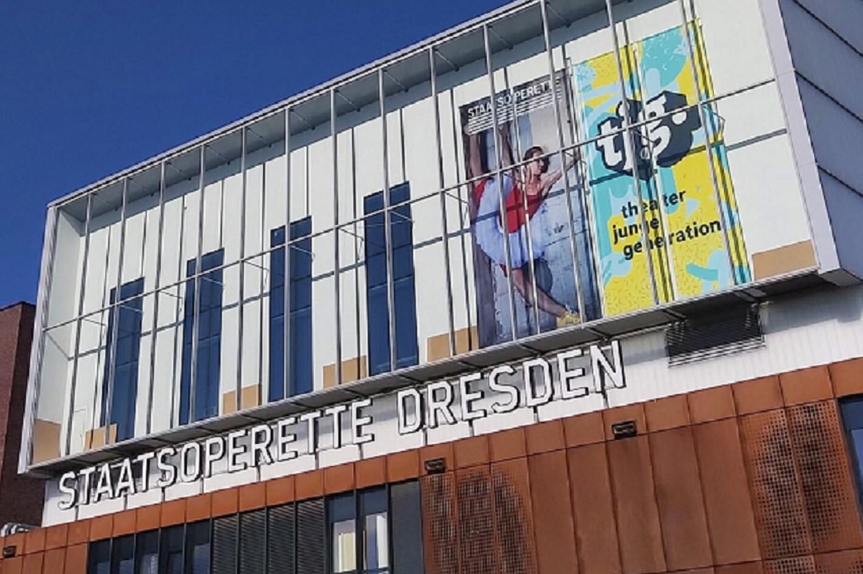 Der 700 Plätze fassende Saal verfügt über optimale akustische Bedingungen für die Genres Operette und Oper.