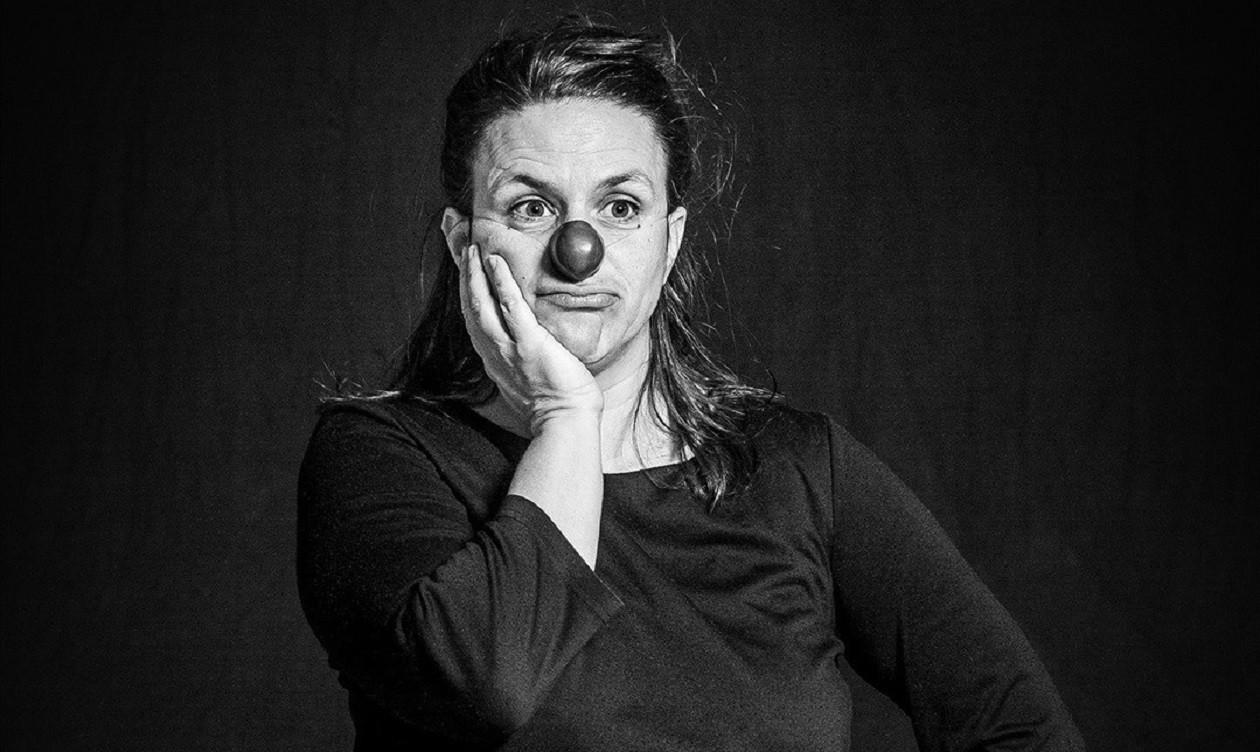 """Teil 27: <a href=""""https://augusto-sachsen.de/articles/ich-werfe-den-leuten-nicht-einfach-eine-torte-ins-gesicht-229"""">Clownin Yaelle Dorison</a>"""