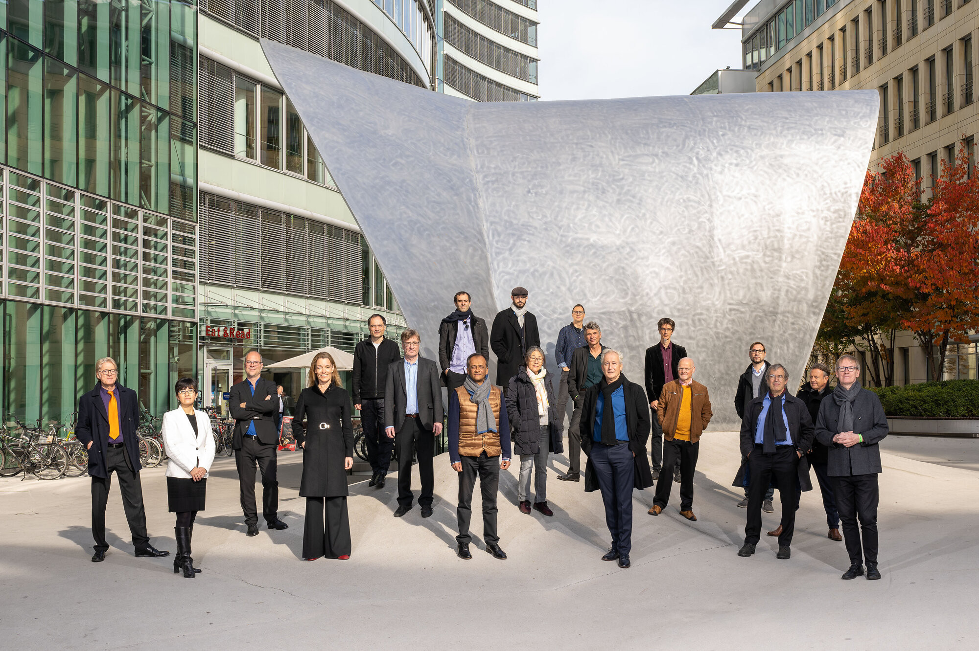 Seit seiner Gründung 1980 zählt das international besetzte Ensemble Modern (EM) zu den führenden Ensembles für Neue Musik.