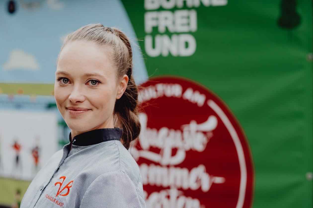 Verena Leister sorgt für Kulinarik an der Ostra-Allee.