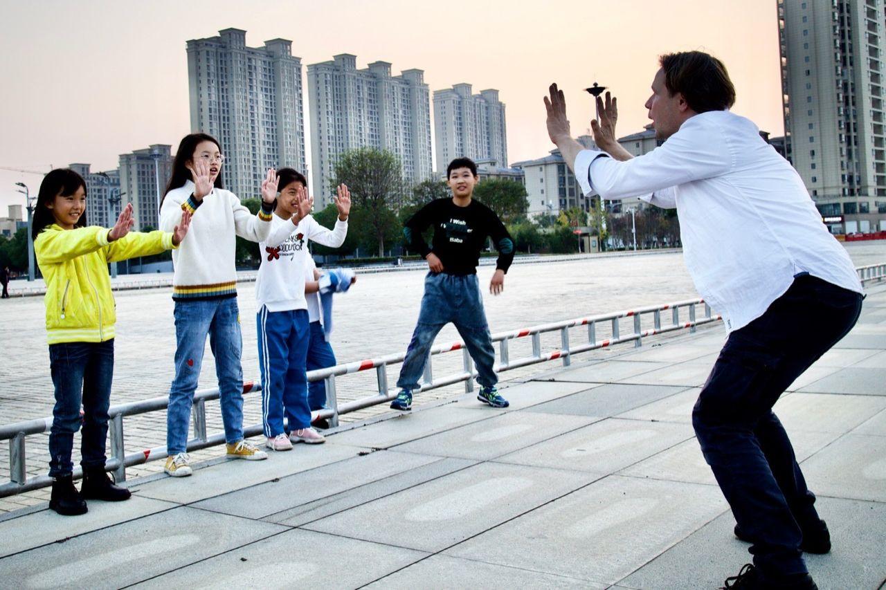 2019 war Tim Schreiber auf einer Tournee in China und gab u.a. Theater-Workshops.