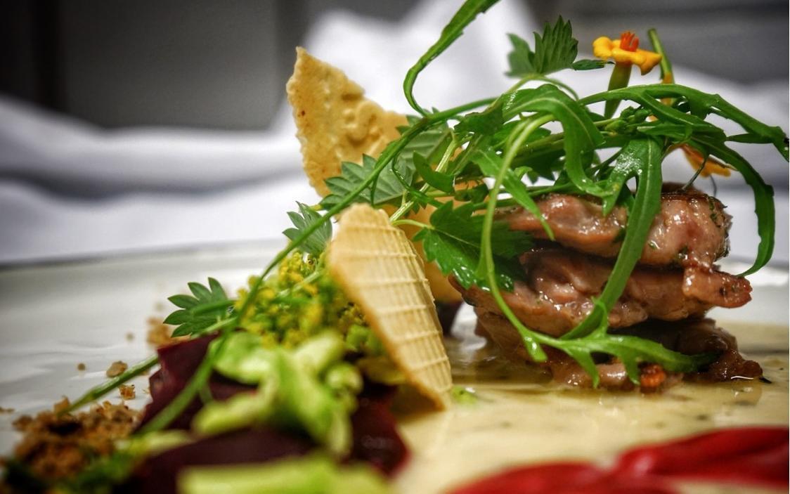 Französische Gerichte mit Zutaten aus dem eigenen Anbau bietet das Petit Frank an.