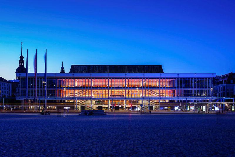 Der Dresdner Kulturpalast wurde 2017 nach Rekonstruktion wiedereröffnet.